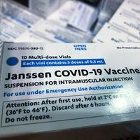 """La vacuna de Janssen iba a """"cambiarlo todo"""", pero solo hemos puesto la mitad de las que tenemos: qué está pasando en España con la vacuna de Johnson & Johnson"""