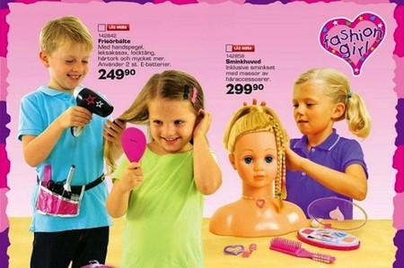 Toys'R'Us responde a la petición para no restringir el acceso de niñas o niños a distintos juguetes (en Reino Unido)