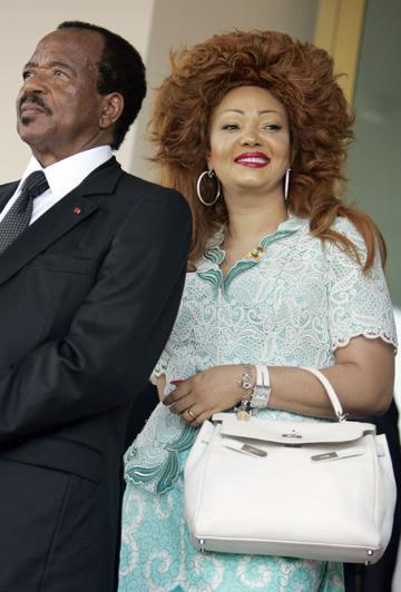 Un peinado imposible... Chantal Biya
