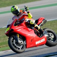 Foto 4 de 8 de la galería valentino-rossi-y-la-ducati-1198-sp en Motorpasion Moto