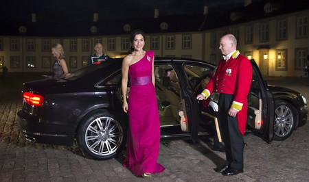 El día en que la Princesa Mary de Dinamarca se inspiró en Balenciaga, aunque llevándolo a su propio estilo monárquico
