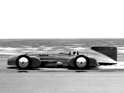 La lucha por ser el más rápido del mundo sobre ruedas: Los inicios