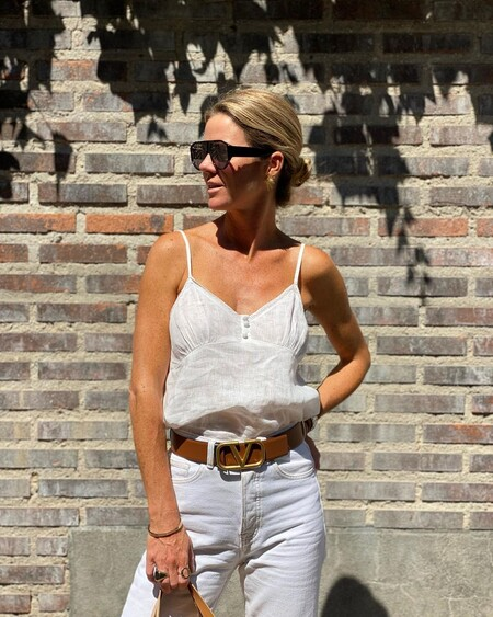El blanco es el protagonista del último look de Amelia Bono que emulamos con prendas low-cost