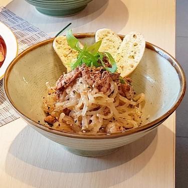 Desmontando la dieta de los tallarines shirataki: no nos ayudan a adelgazar, pero pueden desnutrirnos