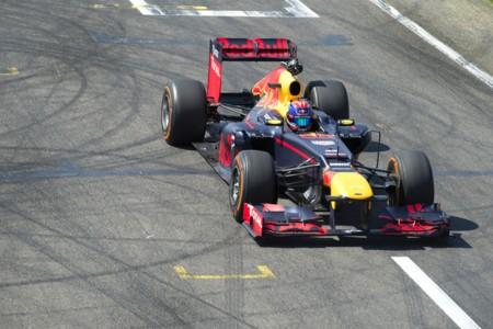 Una cámara 360º en un Fórmula 1 y el bello sonido del motor V8, ¿qué más podemos pedir?