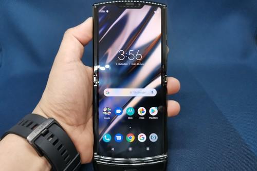 Cuatro respuestas y cuatro dudas luego de doblar el Motorola razr por más de una hora