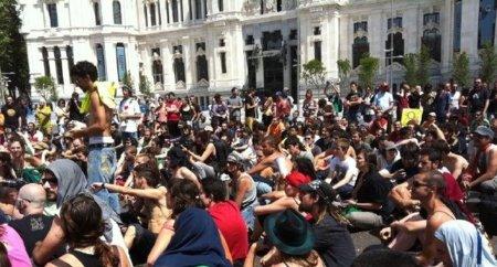 Protestas en los ayuntamientos ante la llegada de los nuevos alcaldes