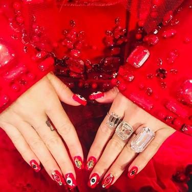 Katy Perry con un extravagante look en los MET 2017. No esperábamos menos de ella