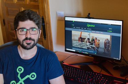 El equipo de Jose García para trabajar y jugar: ordenador de sobremesa y portátil, periféricos, accesorios y más