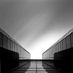 Foto 6 de 7 de la galería arquitectura-en-blanco-y-negro-por-kevin-saint-grey en Decoesfera