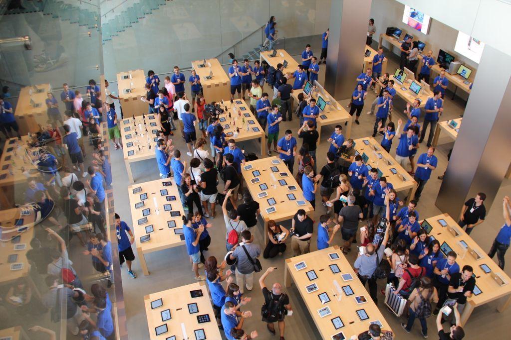 Foto de Inauguración de la Apple Store del paseo de Gracia (17/27)