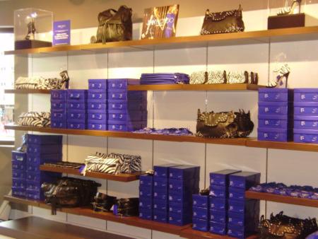 La venta de la colección de Jimmy Choo para H&M: imágenes en las tiendas