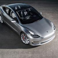 """""""El Tesla Model 3 será diez veces más seguro que los coches actuales, será 'sobrehumano'"""": Adam Jonas"""