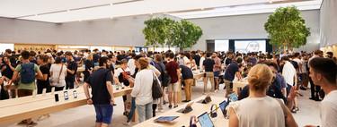 Así fue la inauguración de la nueva e impresionante Apple Store de Milán en Piazza Liberty