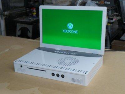 Este genio transforma consolas en portátiles; su más reciente creación: la Xbook One S