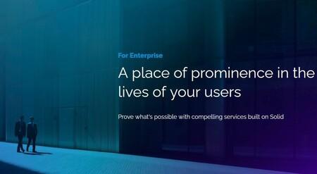 Tim Berners-Lee presenta Solid para empresas: su almacenamiento en la nube donde cada usuario elige quién accede a sus datos