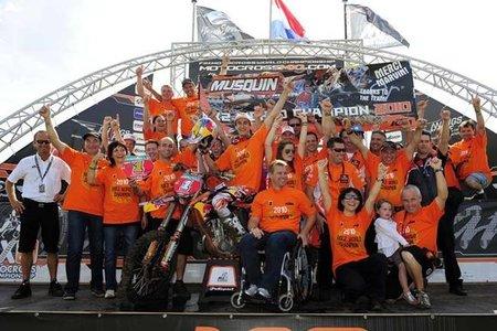 Antonio Cairoli y Gautier Paulin vencen en Holanda. Marvin Musquin, Campeón del Mundo de MX2