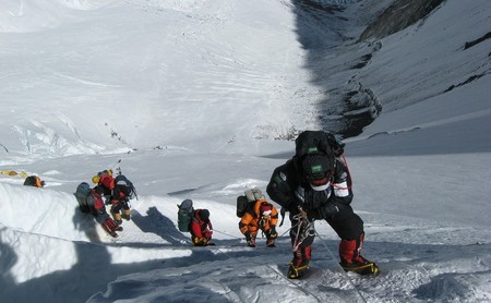 El hombre y la mujer que más veces han coronado el Everest