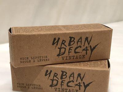 Probamos los labiales de Urban Decay Vince Lipstick Vintage