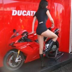 Foto 17 de 35 de la galería las-pit-babes-de-estoril-en-una-ducati-1098 en Motorpasion Moto
