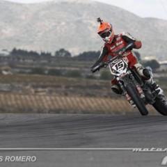 Foto 23 de 63 de la galería albaida-despide-el-campeonato-de-espana-de-supermotard-2011 en Motorpasion Moto