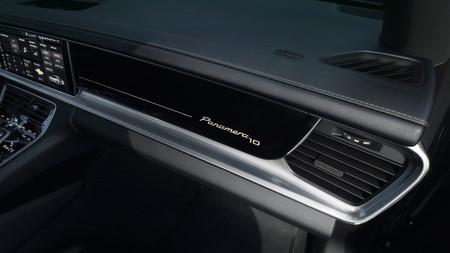 Porsche Panamera 10 Years Edition 2019 008