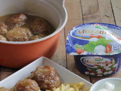 Receta de albóndigas rellenas de mozzarella