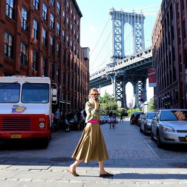 Olivia Palermo nos recuerda la importancia de apostar por complementos a todo color