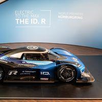 El Volkswagen I.D. R va por el récord para coches eléctricos en Nürburgring