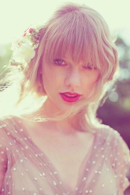 ¡Que Taylor Swift se nos quiere ir a Inglaterra! ¿Tendrá un nuevo amorcillo brit?