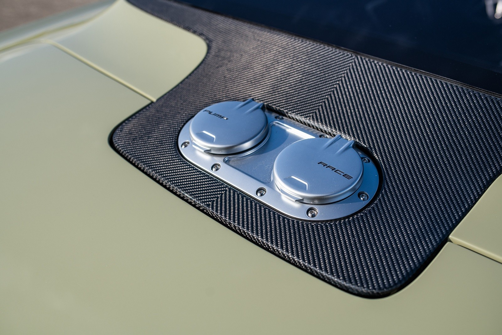 "Foto de Chevrolet Camaro ""Valkyrja""por Ringbrothers (8/27)"
