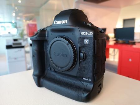 Canon anuncia el desarrollo de la EOS 1Dx Mark III, el nuevo buque insignia de la marca que quiere conservar el trono