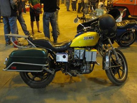 Moto eléctrica artesanal