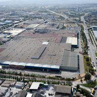 Nissan planea despedir a 600 trabajadores de la Zona Franca para asegurar la rentabilidad de la planta