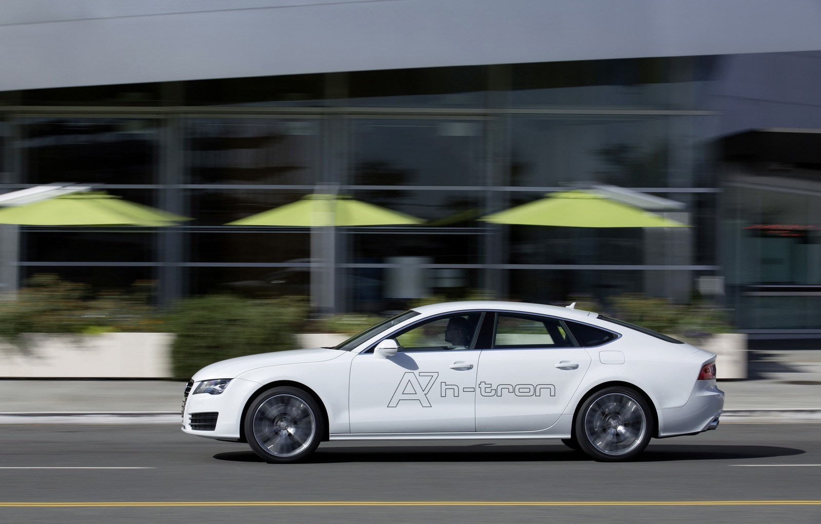 Foto de Audi A7 Sportback h-tron quattro (34/49)