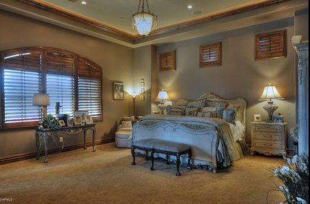 phoenix-estilo-español-dormitorio.jpg