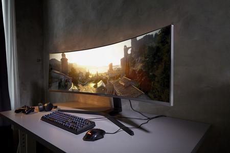 Con un brazo flexible, pantallas curvas y resolución 4K, Samsung presenta sus monitores para competir en 2019
