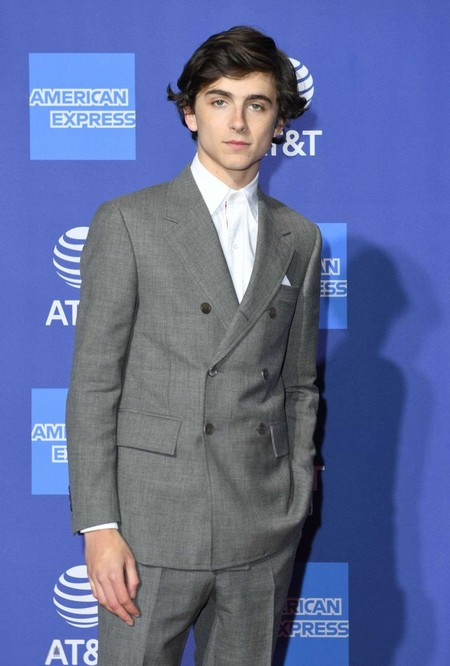 Timothee Chalamet Hace Del Desenfado Y Lo Simple Lo Mas Elegante De Su Look En El Palm Springs International Film Festival Red Carpet 2