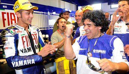 Valentino Rossi y sus amiguitos