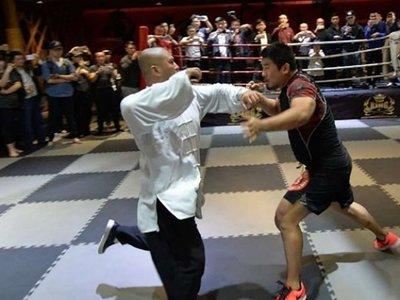 Hay un luchador de MMA que está derrotando a todos los maestros de artes marciales (y le odia toda China)