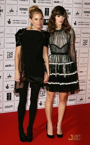Sienna Miller y Keira Knightley en los Premios de Cine Independiente Británico