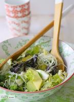 Ensalada de fideos de arroz con mango y aguacate. Receta