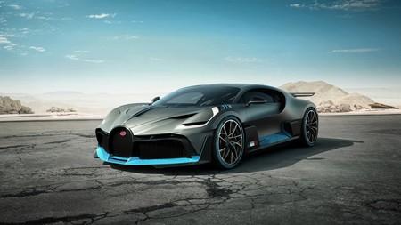 El Bugatti Divo abandona las imágenes estáticas y te acelera el pulso con su primer video en acción