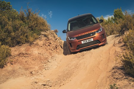 Land Rover Discovery Sport 2019 001