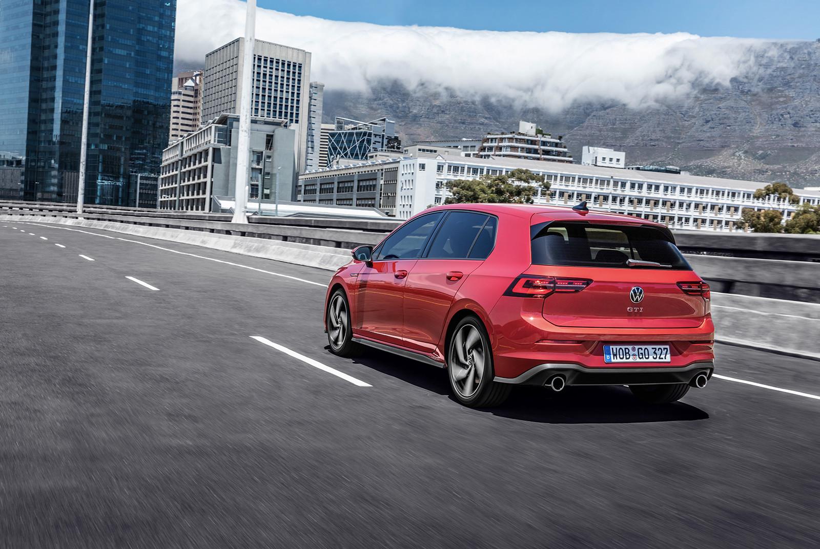 Foto de Volkswagen Golf GTI 2021 (10/14)