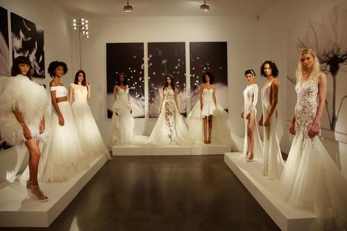 Pronovias presenta en Nueva York la colección Atelier 2019 para todas las tallas