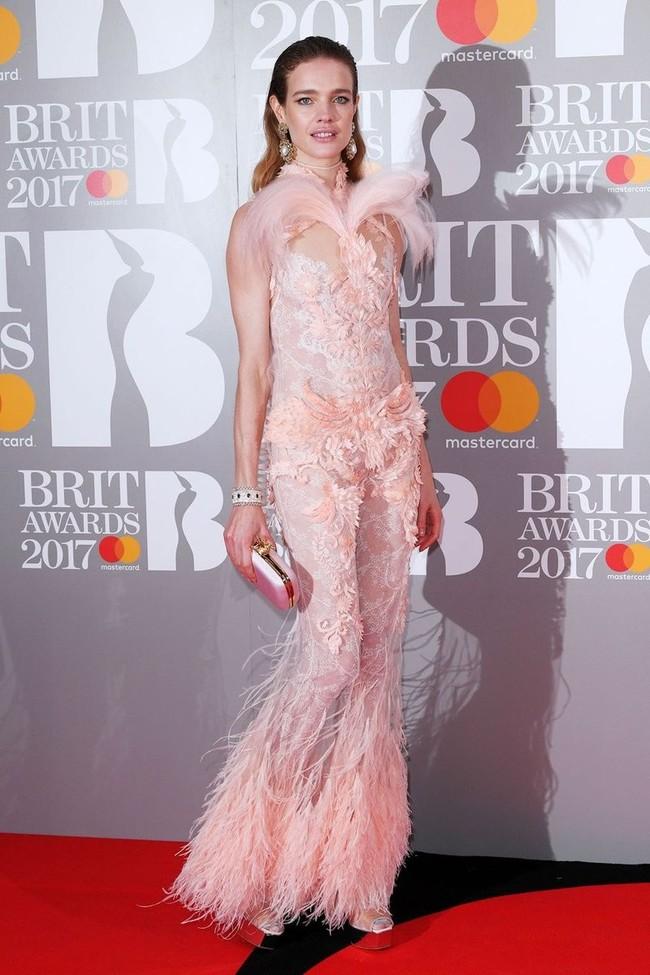 mejor vestidas 2017 alfombra roja Natalia Vodianova De Givenchy