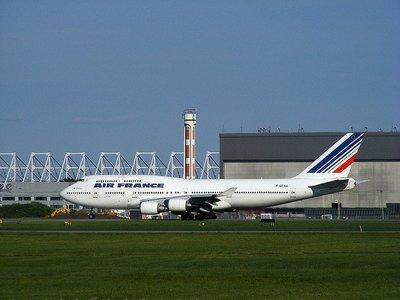 Por temor a abusos, Air France separará a los niños solos de los adultos