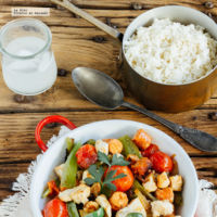 Chistorra y pollo salteados con verduras. Receta