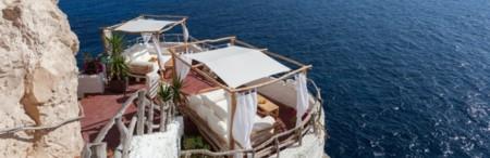 Después de un año de duro trabajo te mereces relajarte en alguna de las mejores terrazas del planeta